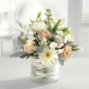 DF 3 SOFT AND SUBTLE PASTEL MIXED BLOOMS IN LOW GLASS VASE