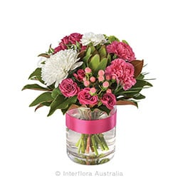 PINK LADY Mixed posy in a glass vase AUS 809