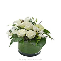 SERENITY Arrangement in a low glass vase suitable for home AUS 830