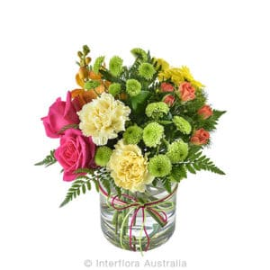 SIOBHAN Mixed grouped posy in a glass vase CODE SA242