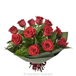 TEMPTATION Bouquet of 12 long stemmed roses AUS 762 (red) AUS 763 (pink) AUS 764 (yellow)