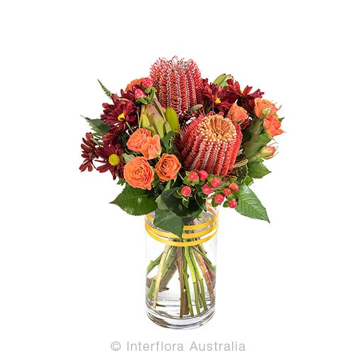 VERA Bright seasonal posy in a vase CODE SA236
